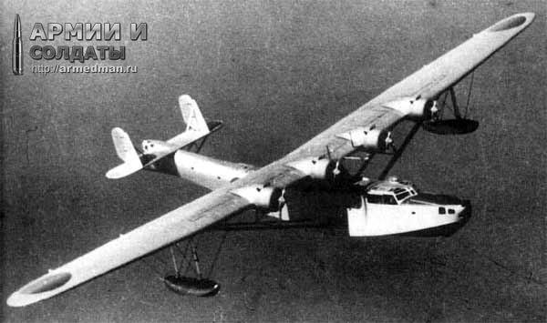 Бой японской летающей лодки H6K4 и американского B-17