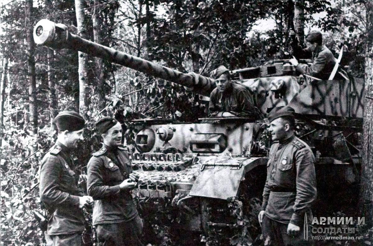 Pz-IV-aust-H,-захваченный-под-орлом-у-9-й-танковой-дивизии,-1943