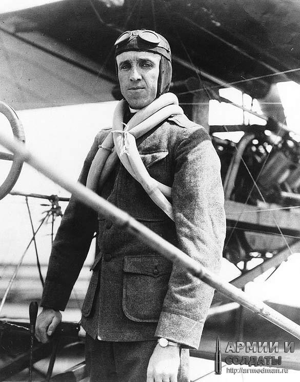 Юджин Эли. Пилот не только совершивший первый взлет с авианосца, но и первую посадку на него.