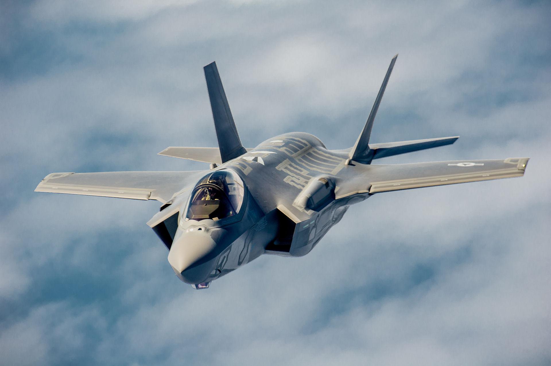 Lockheed Martin F-35 Lightning II. Возможно близкий родственник Як-141