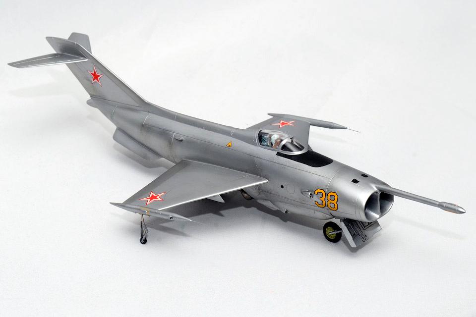 Штурмовик с вертикальным взлетом Як-36