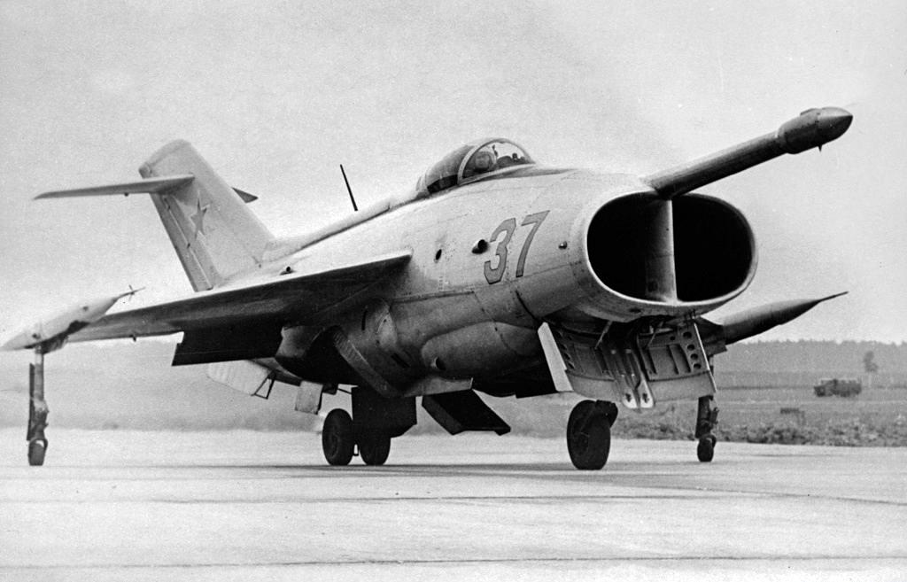Як-36, штурмовик с вертикальным взлетом