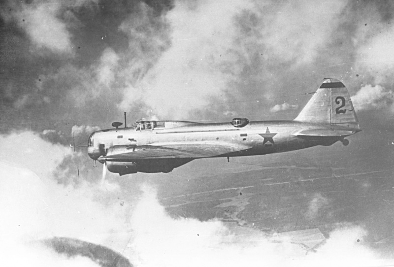 Советский дальний бомбардировщик ДБ-3Б