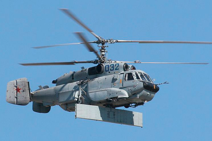 Вертолет Ка-31. Хорошо видна антенна под днищем