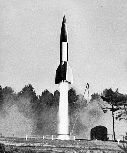 Первый запуск немецкой ракеты Фау-2.