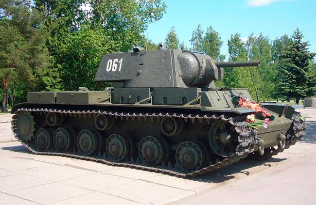 Тяжелый танк КВ-1 (СССР)