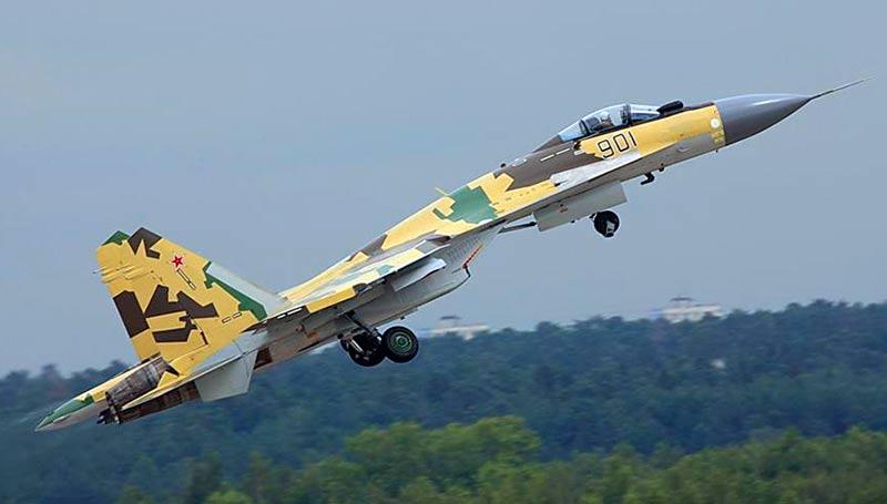 Многоцелевой истребитель Су-37