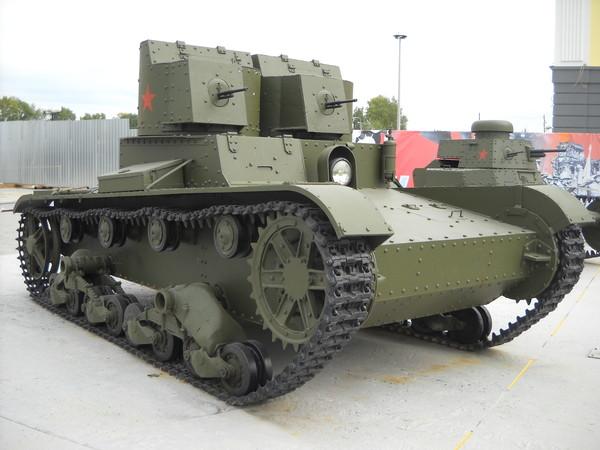 Т-26 двухбашенный, с пулеметами ДТ