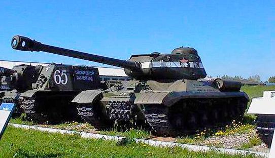 тяжелый танк ИС-2 и САУ ИСУ-152 выполненная на его базе