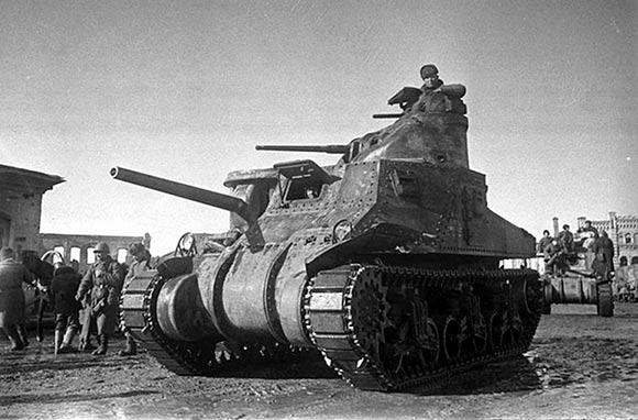 M3 «Генерал Грант» в расположении советских войск