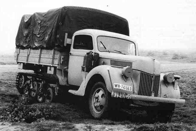 "Полугусеничный грузовик ""Maultier"" от фирмы Форд"