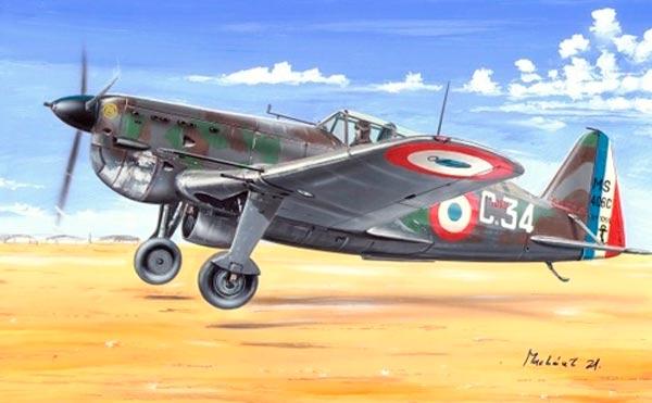 Morane-Saulnier MS-406 были вполне современными. Правда было их всего 17, а вот штатной пушки не .было ни у одного