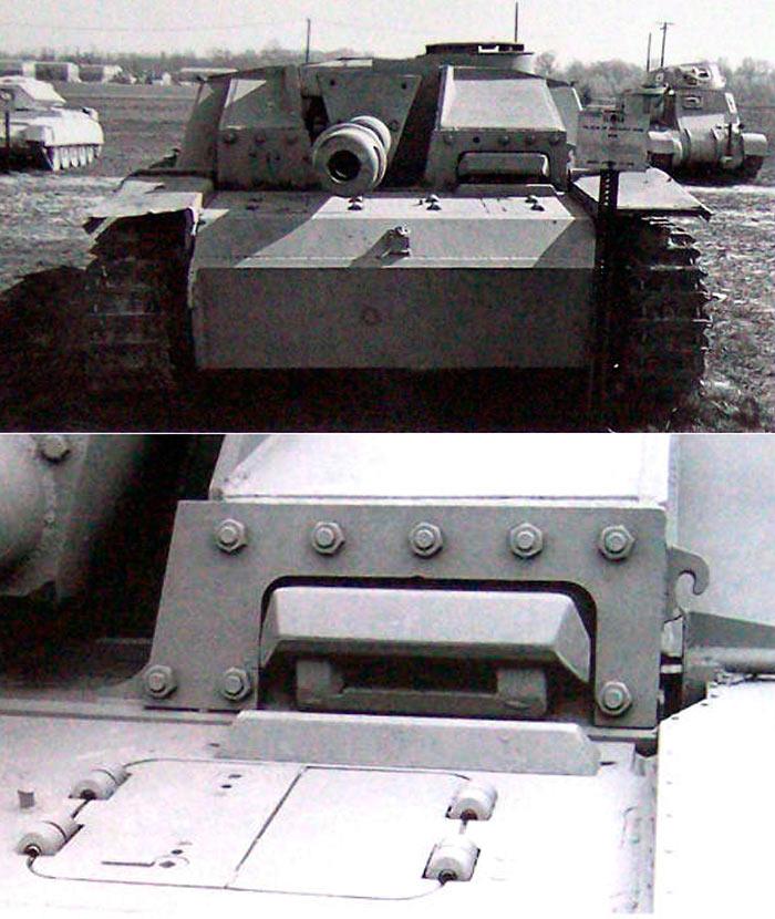 СТУГ-3-смотровая-щель,-створки-люка-предназначены-для-доступа-к-коробке-передач