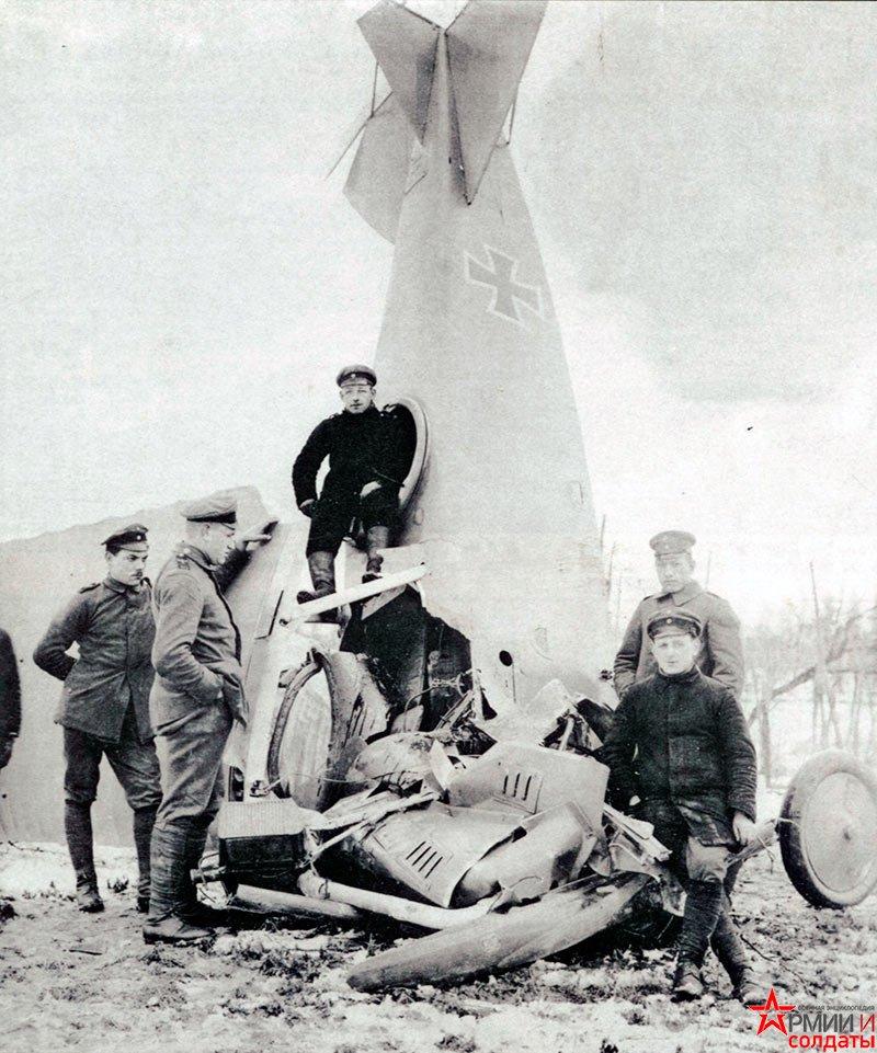 разбитый самолет первой мировой