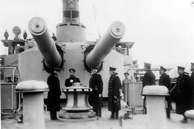 "305-мм орудия броненосца ""Евстфий"""