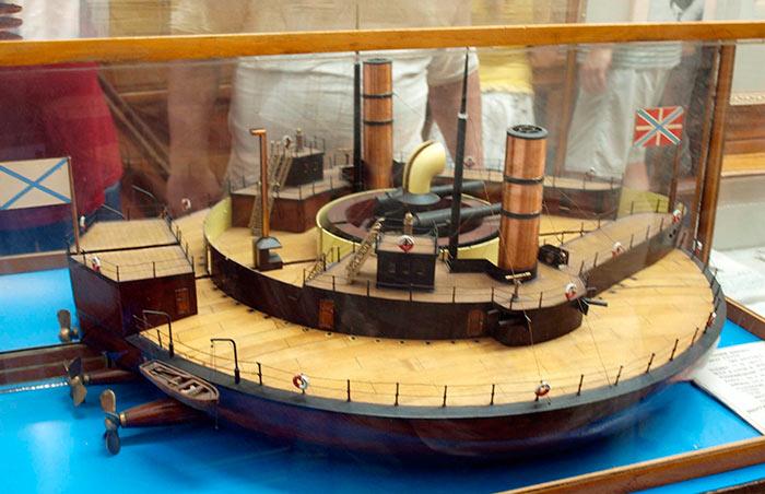 "Модель ""поповки"" на которой хорошо видно устройство корабля"