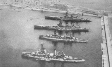 Французские линкоры в гавани Мерс-эль-Кебире