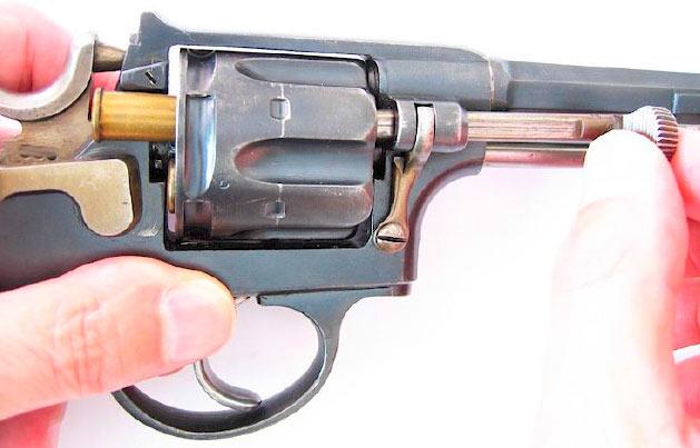 Револьвер Галан-Шмидт M1882, извлечение гильзы