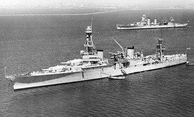 Тяжелый крейсер Хьюстон в Сан-Педро, Калифорния, 18 апреля 1935 г.