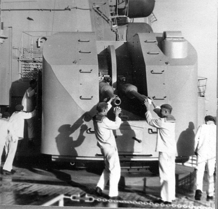 Установка АК-726 большого противолодочного корабля Керчь