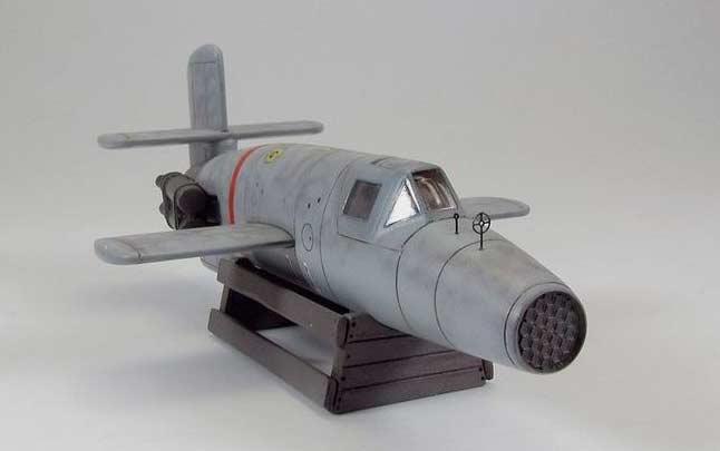 Таранный ракетоплан Ba-349 «Наттер». Хорошо видны блоки НУРС в передней части