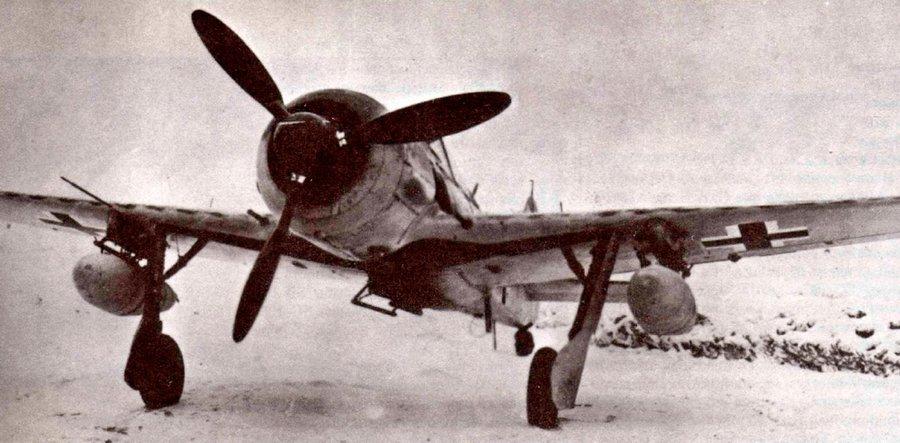 FW-190G-2 - уже не истребитель, но истребитель-бомбардировщик.