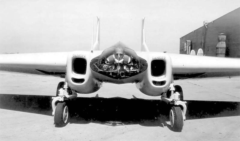 Таранный истребитель XP-79 «Нортроп» - хорошо видно как располагается пилот в кабине истребителя