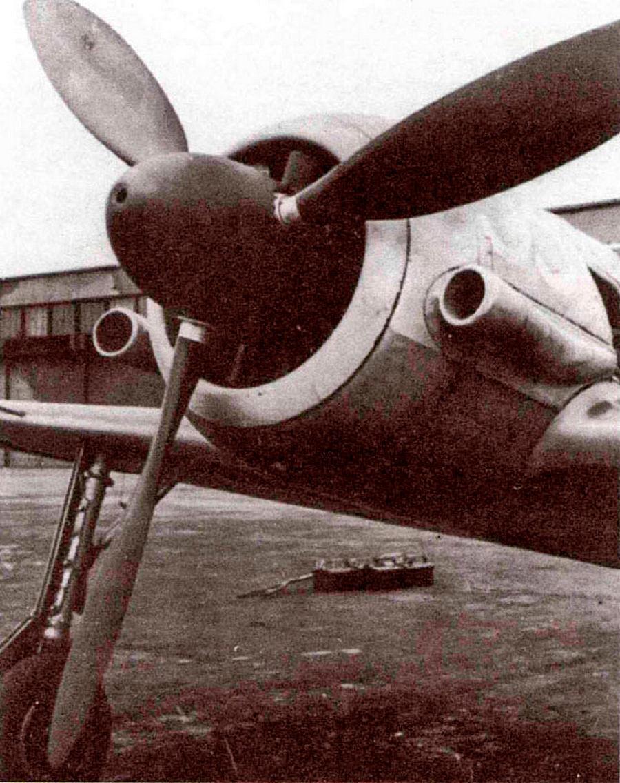 Внешние воздухозаборники для нагнетателя мотора, на экспериментальном FW-190A-3(U-7)