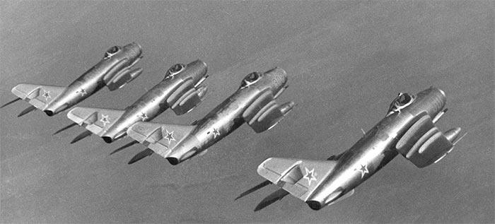 Боевой строй МиГ-17
