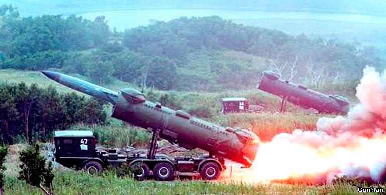 Запечатлен момент выхода из транспортного контейнера СПУ-35 противокорабельной ракеты