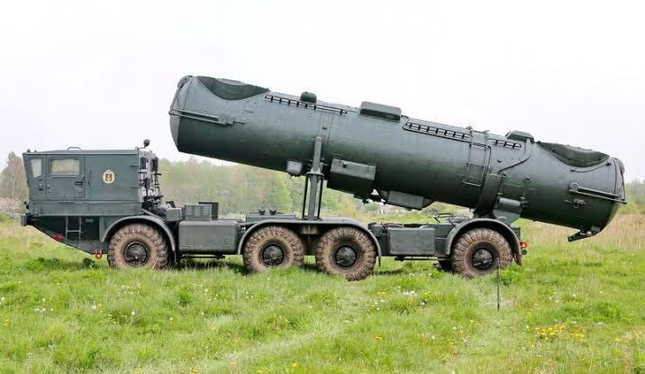 Пусковая установка СПУ-35 противокорабельного ракетного комплекса Редут 4К44