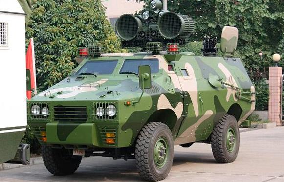 ZFB-05 с громкоговорителями на крыше