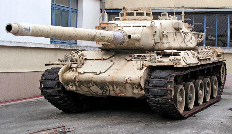 АМХ-30 похож на «Леопард I» только внешне