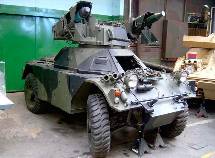 Ferret Mk.2-6 (FV703) с пусковыми установками противотанковых ракет