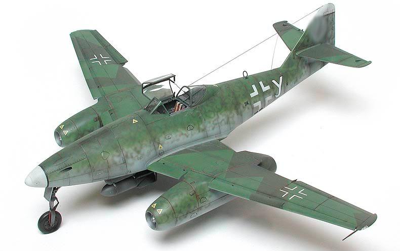 Модель немецкого истребителя Me-262