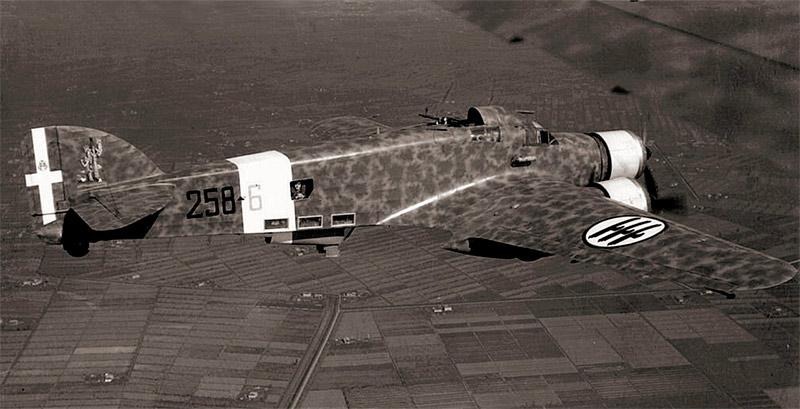 SM.79 в воздухе