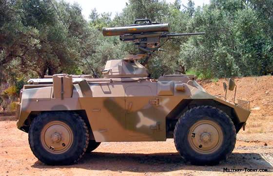 Удачная колесная база ЕЕ-3 Jararaca, может быть снабжена различными модулями вооружения