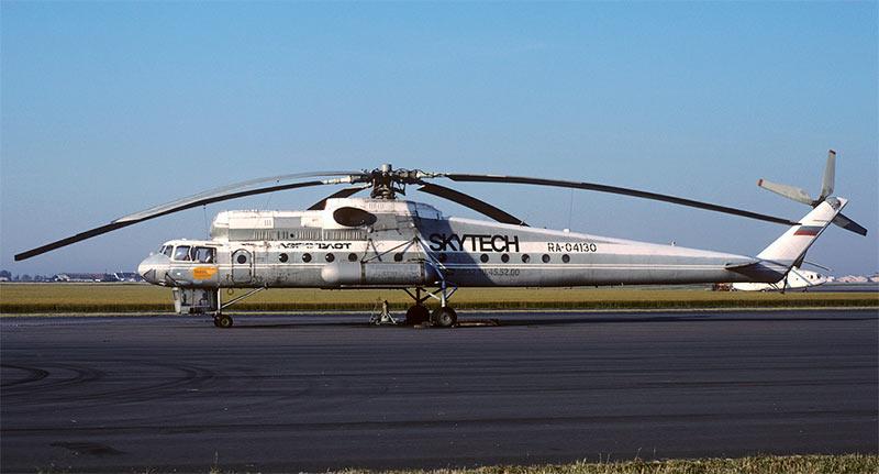 Ми-10К. Сразу видно, что вертолет значительно ниже более ранних машин
