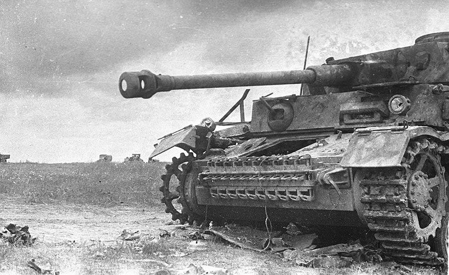 Разбитый германский танк Pz. IV