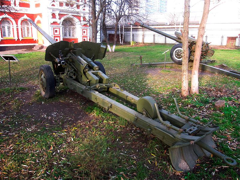 Противотанковая пушка МТ-12 Рапира
