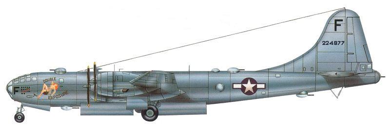 B-29, вид сбоку, хорошо видны все огневые точки самолета