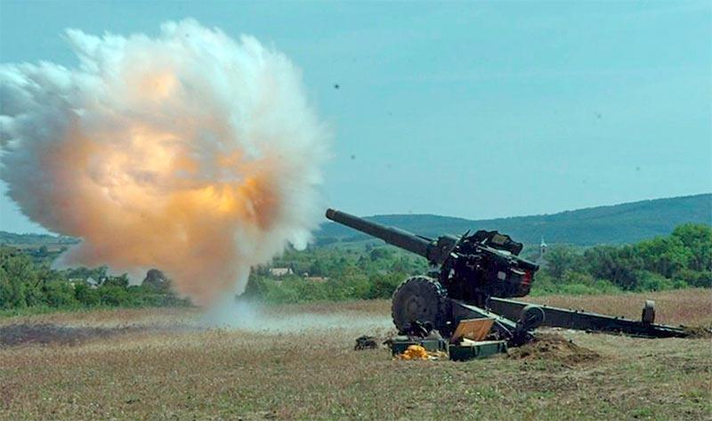 Выстрел из 152-мм пушки-гаубицы Д-20