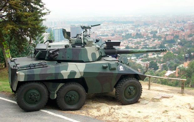 Бразильский бронеавтомобиль ЕЕ-9 Cascavel - колесный танк