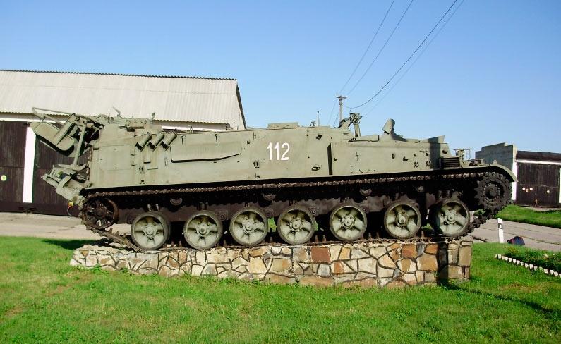 Гусеничный минный заградитель ГМЗ-3, сбоку