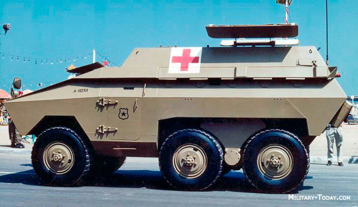 ЕЕ-11 «Urutu» в модификации машины медицинской службы
