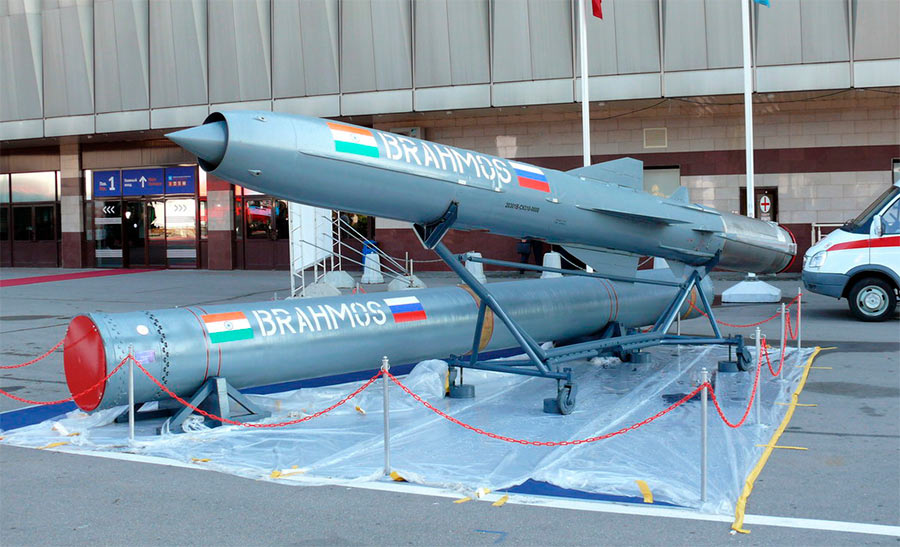 Дальнейшее развитие противокорабельных ракет Оникс/Яхонт, российско-индийская разработка «БраМос»