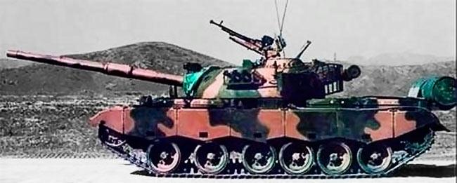 Китайские танки конца 20-го века выглядят как дикие гибриды различной иностранной техники, каким-то образом слепленной в единое целое