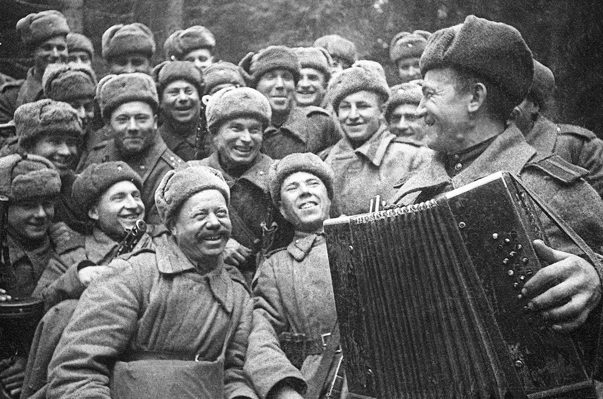 Январь 1943 года. Краткий привал перед штурмом города Великие Луки.