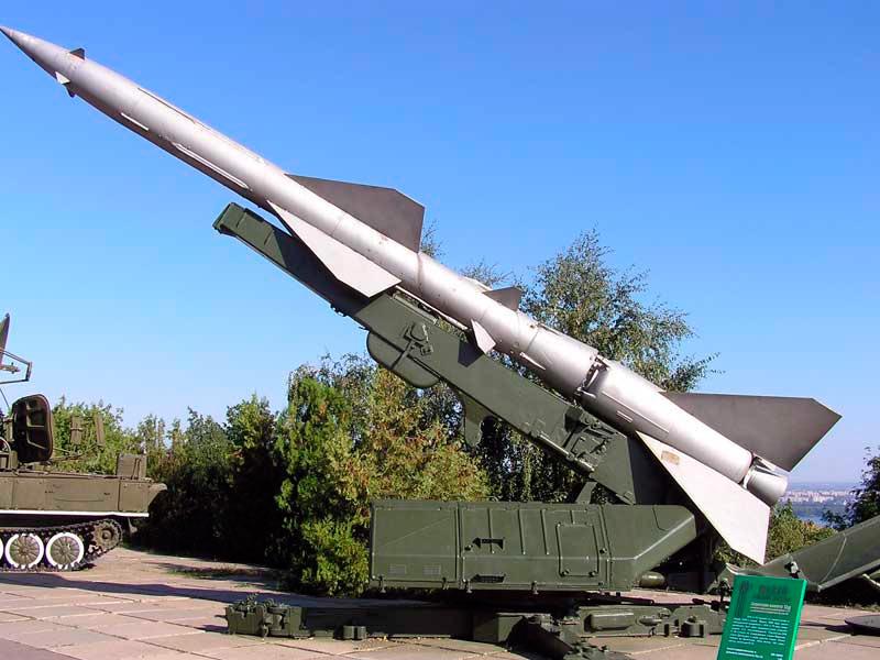Ракета комплекса С-75 в боевом положении