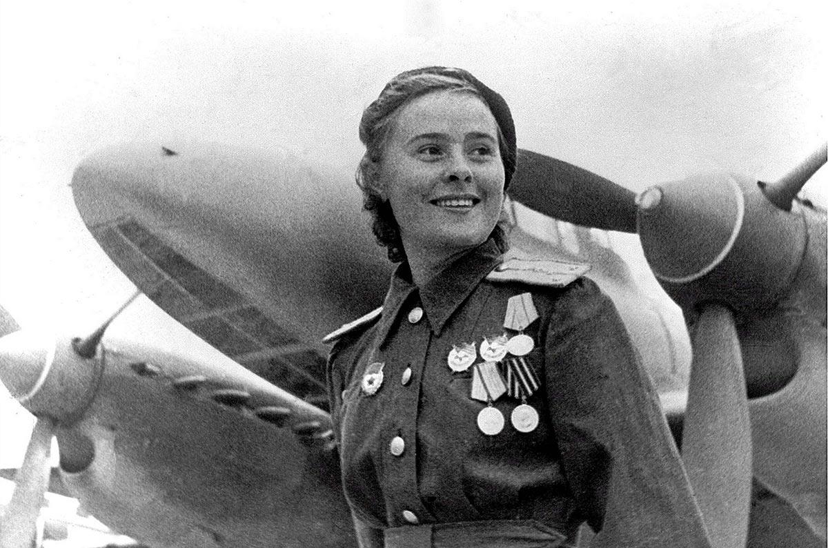 Мария Долина (18.12.1922-03.03.2010), Герой Советского Союз